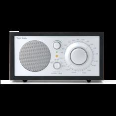 Model ONE bordradio Tivoli Audio sort ask/sølv
